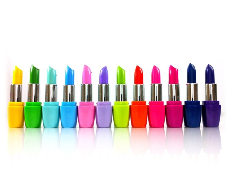 12 Colors Assorted Lipsticks with Aloe Vera and Vitamin E